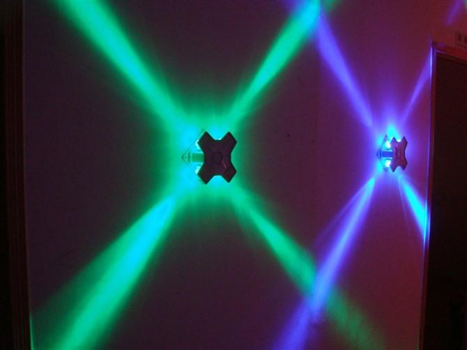 十字型壁灯